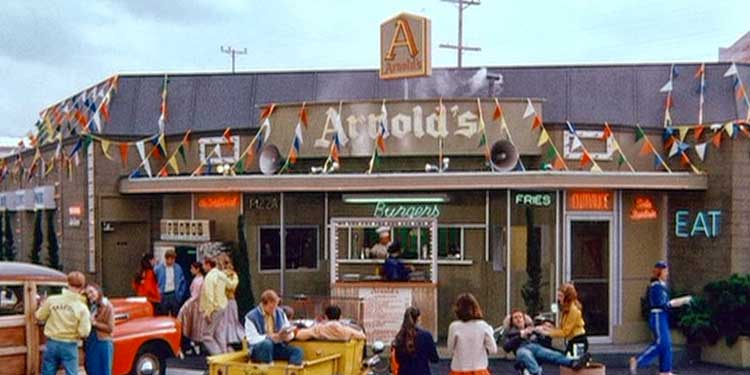 arnolds-drive-in-sign.jpg