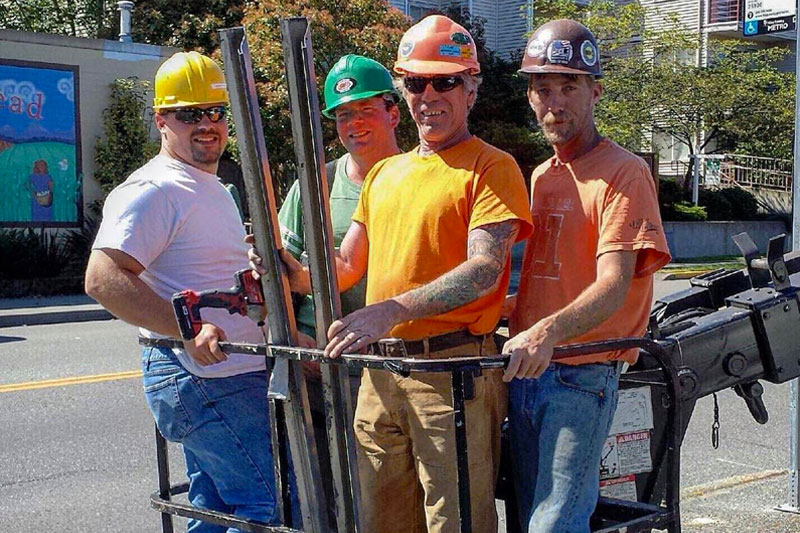 crew-in-bucket